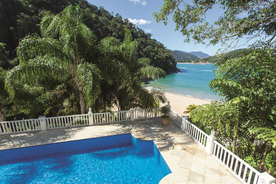 Fantastic Property With 2 Private Beaches In One Of The